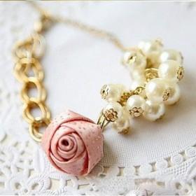 Браслет с розой