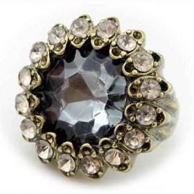 Кольцо с крупным кристаллом Swarovski