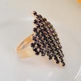 Кольцо Элитное из темных кристаллов Swarovski - цвет металла полностью идентичен золоту