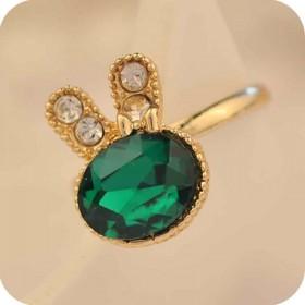 Кольцо Swarovski с зеленым кристаллом - цвет металла полностью идентичен золоту